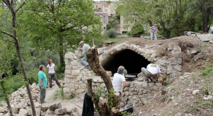 Restauration d'un réservoir d'eau à Saint-Jurs