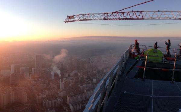 EC Solar SAS et EIFFAGE ENERGIE réalisent la plus haute centrale solaire photovoltaïque de France. TOUR MAJUNGA LA DÉFENSE