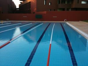 Sensec piscines traitement de l 39 eau s curit en mer for Caniveau piscine miroir