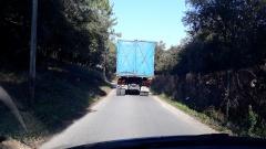 Suivons un camion depuis la zone d'activités jusqu'à la D2562