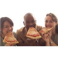 Une pizza industrielle bien grasse