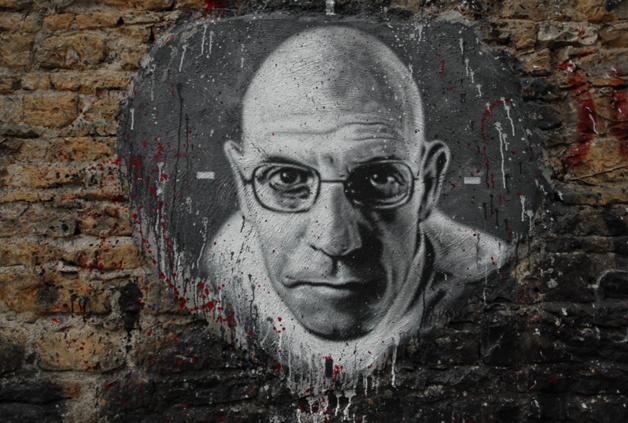 Michel Foucault, défenseur d'un revenu de base universel. Crédits : Thierry Ehrmann