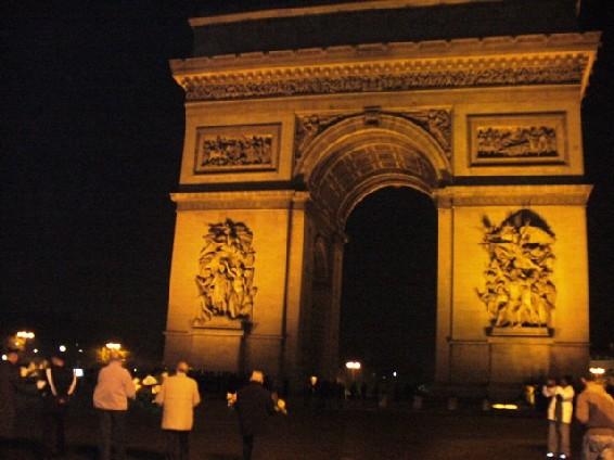 Comémorations du 11 novembre 2006 à l'Arc de Triomphe par les Italiens.