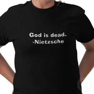 Et si cet été, au lieu de s'affiner pour frimer sur la plage, on apprenait à s'affirmer avec Nietzsche ?!