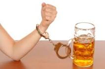 Baclofene.  Les malades resteront-ils prisonniers de l'alcool ?