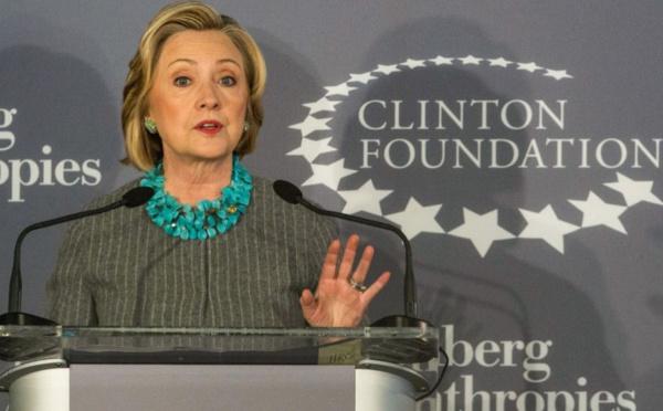 Lobby entre l'Algérie et la Fondation Clinton pour dissimuler les violations des Droits de l'Homme en Kabylie