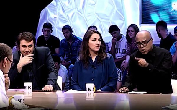 Nordine Aït-Hamouda : « Ferhat Mehenni restera toute ma vie ma famille » (Vidéo)